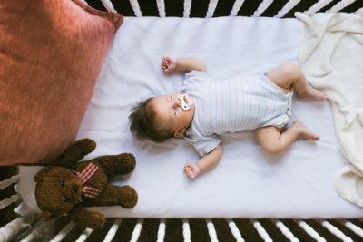 Dikke onvoldoendes voor babymatrasbeschermers